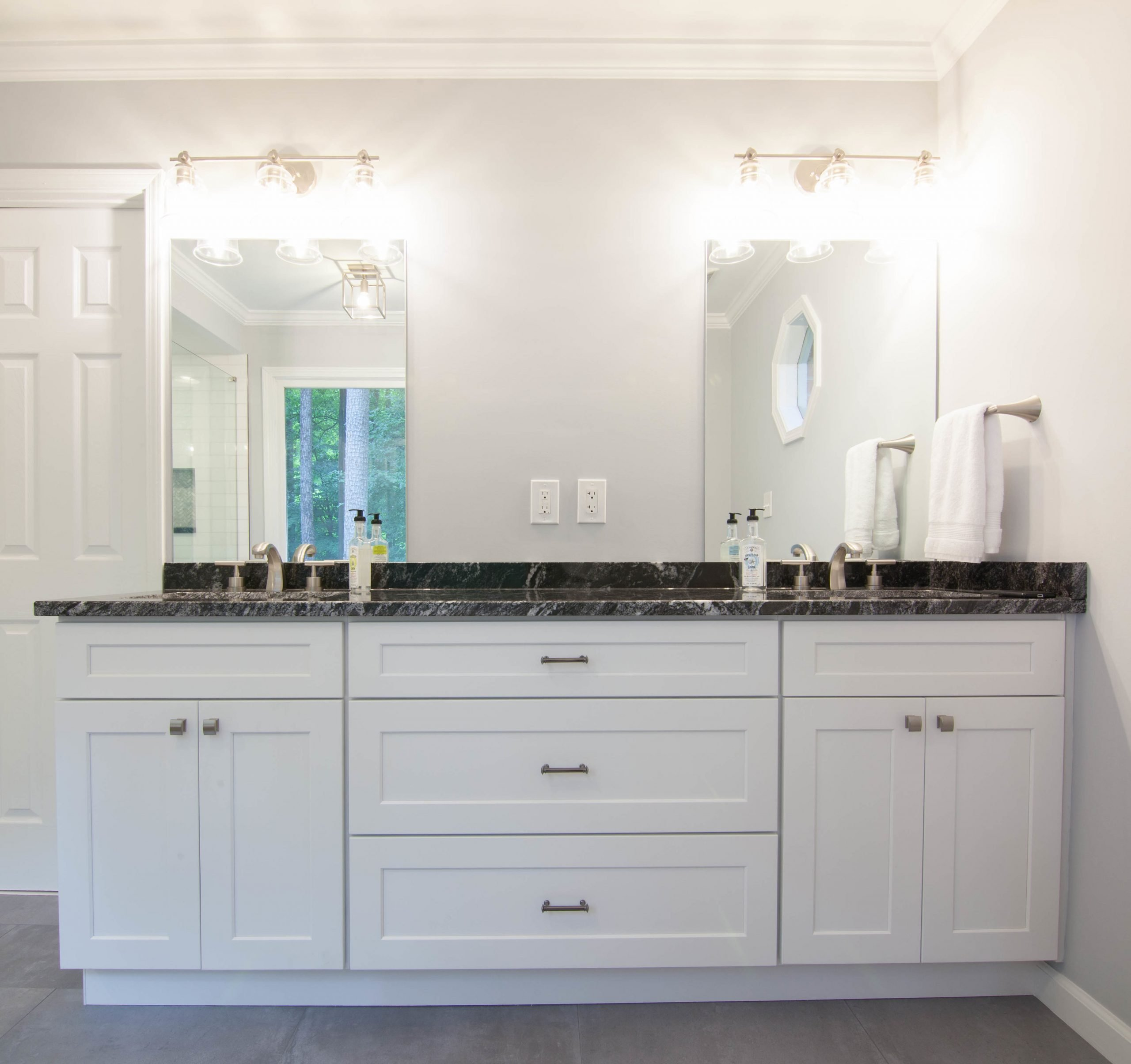 Open Layout Transitional Bathroom